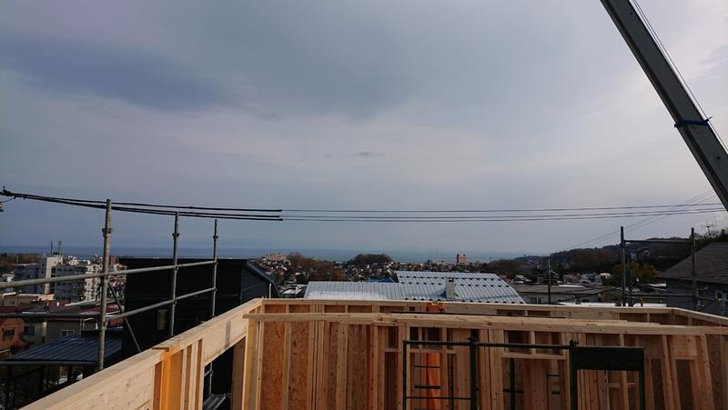 小樽港を望むアーリーアメリカンを建築中♬